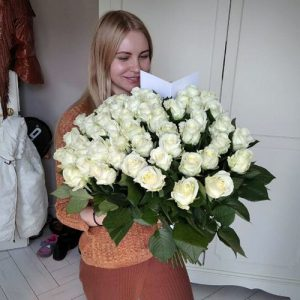 Большой букет 101 белая роза