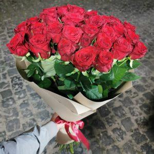 букет до дня народження 51 червона троянда