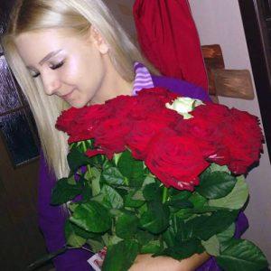 букет з 21 троянди коханій дівчині