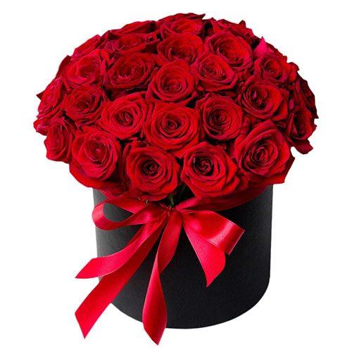 букет 33 троянди в капелюшній коробці