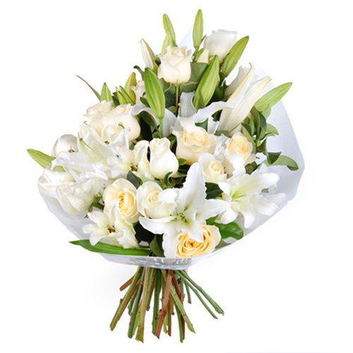 """Букет """"Девичья чистота"""" белые розы и лилии"""
