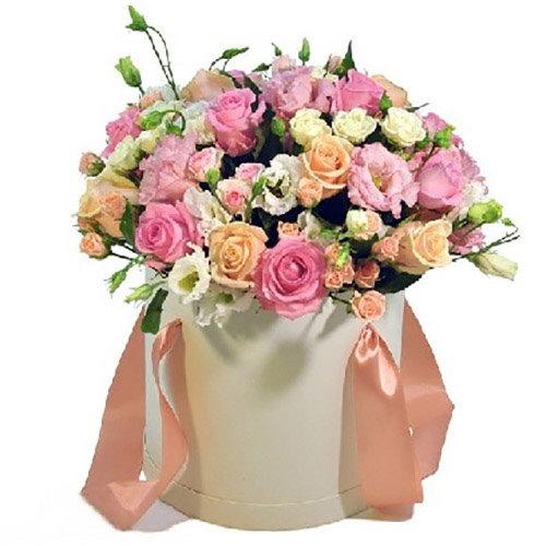 """Капелюшна коробочка """"Приємна"""" мікс троянд та еустоми"""