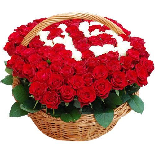 букет 101 роза в корзине с числами