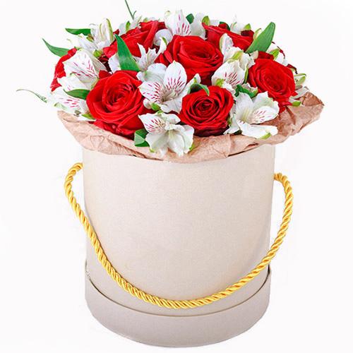 """Капелюшна коробка """"Привіт"""" червоні троянди, білі альстромерії"""