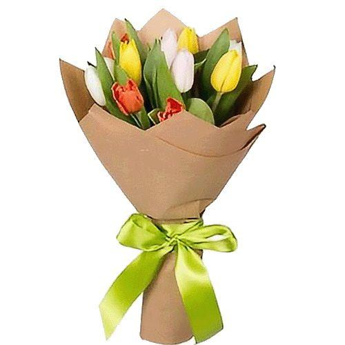 букет до свята 11 тюльпанів мікс