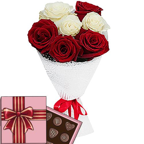 подарок к празднику 7 роз микс с конфетами