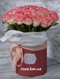 фото троянди Джумілії в коробці