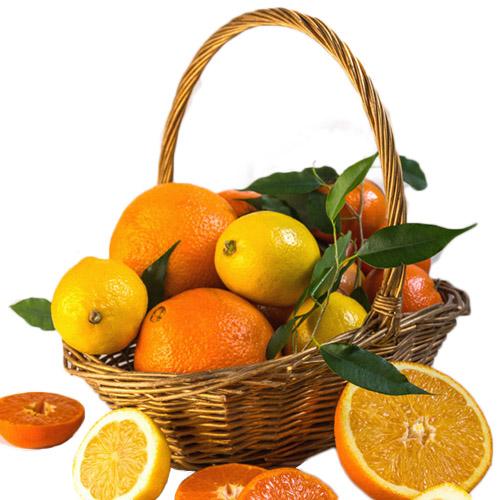 Кошик вітамінів з цитрусами