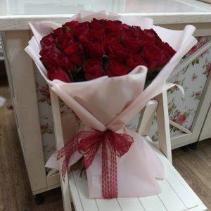 33 красные розы